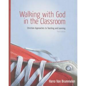 Harga walking with god in the classroom harro van brummelen | HARGALOKA.COM