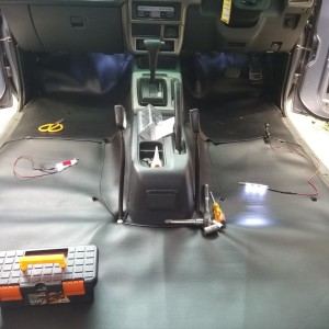 Harga karpet dasar mobil suzuki   HARGALOKA.COM