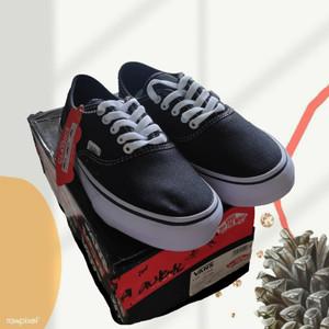 Harga sepatu vans authentic black and white original | HARGALOKA.COM