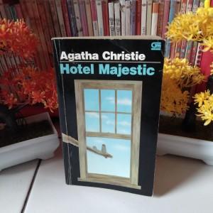 Harga novel detektif agatha christie hotel majestic peril at end   HARGALOKA.COM