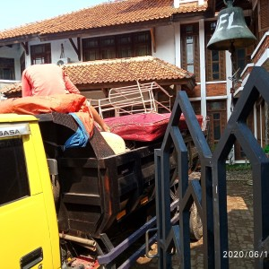 Harga jasa buang puing tanah sampah proyek tangerang | HARGALOKA.COM