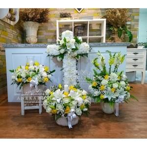 Harga karangan bunga salib ucapan rumah duka cita cross condolence | HARGALOKA.COM