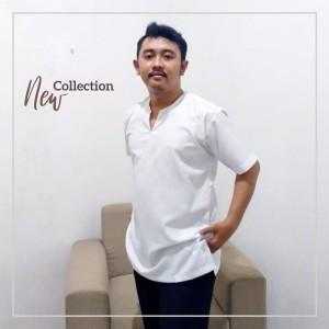 Harga baju koko casual polos pria lengan pendek   putih   | HARGALOKA.COM