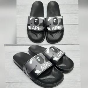 Harga sandal pria slide a bathing ape new | HARGALOKA.COM