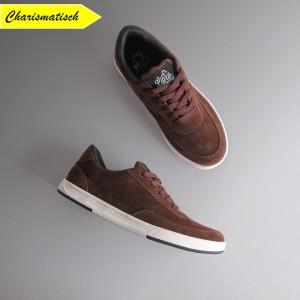 Harga sepatu pria sneakers kulit sneakers suede warna cokelat brown   | HARGALOKA.COM
