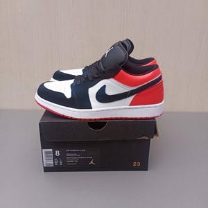 Harga sepatu nike air jordan 1 low red toe retro grade ori sneakers pria     HARGALOKA.COM