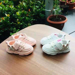Harga sepatu anak import model sneaker gambar rabbit flat | HARGALOKA.COM