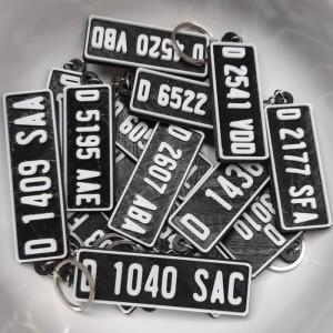Harga ganci 3d plat no mobil custom gantungan kunci 3d custom   plat | HARGALOKA.COM