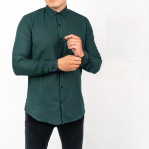 Harga baju kemeja lengan panjang casual formal pria hijau polos slimfit   | HARGALOKA.COM