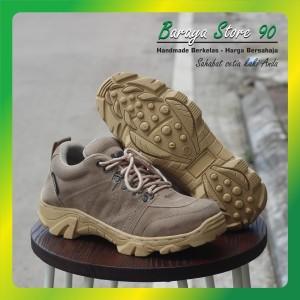 Harga sepatu safety pria ujung besi safety shoes original cladico skyway   krem   HARGALOKA.COM