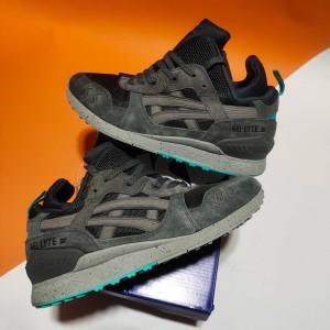 Harga sepatu pria sneakers asics gel lyte iii grey mint bnib   | HARGALOKA.COM