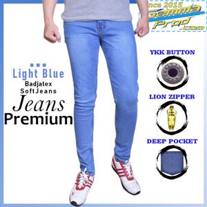 Harga gammaprod light blue slim fit jeans pria premium   light blue 27 28   HARGALOKA.COM