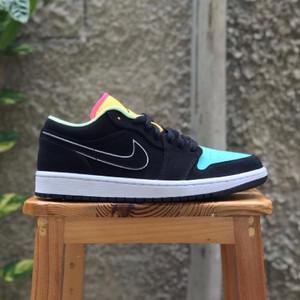 Harga sepatu pria air jordan 1 low se black aurora green original bnib   HARGALOKA.COM